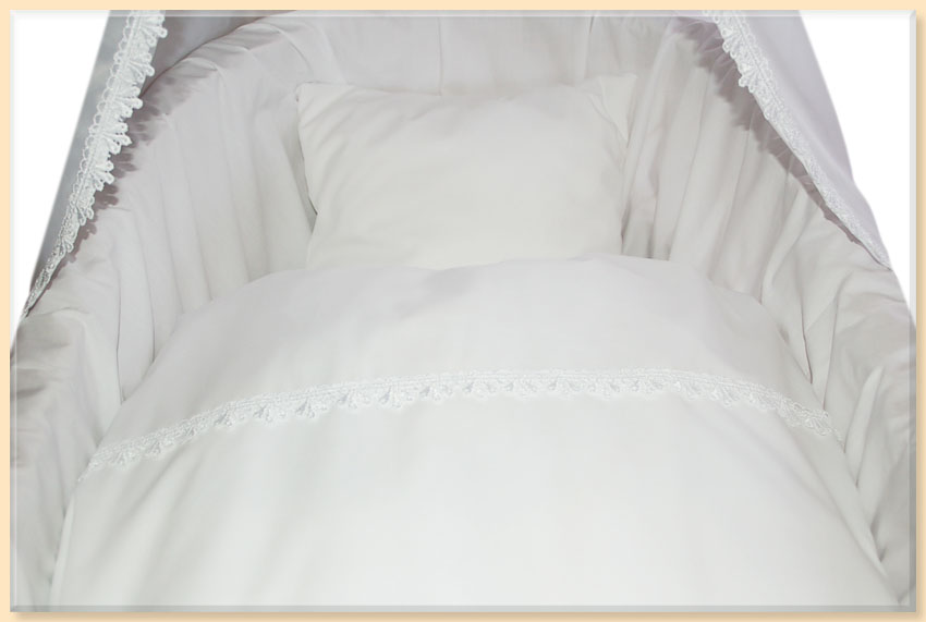 zu bettw sche baumwolle wei mit spitze f r stubenwagen oder wiege. Black Bedroom Furniture Sets. Home Design Ideas